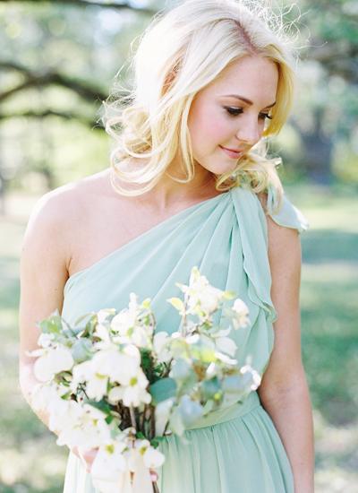 southern-wedding-mint-bridesmaid-dress